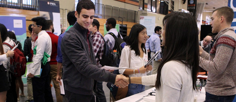 Advantages and Tips for Attending A Jobs Fair 2019